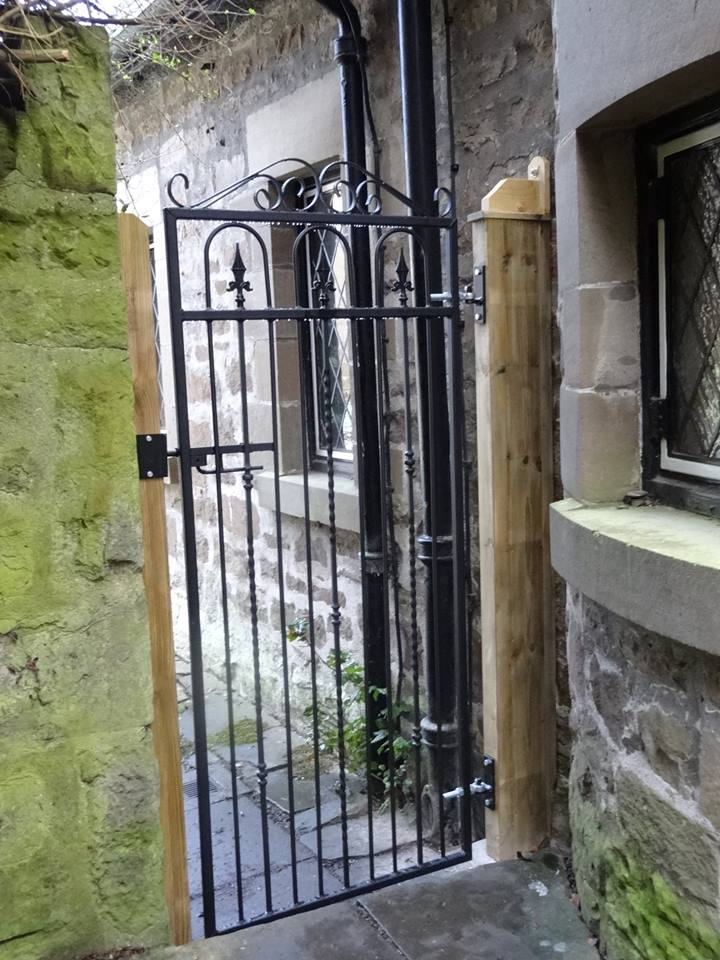 Windsor metal side pedestrian access gate