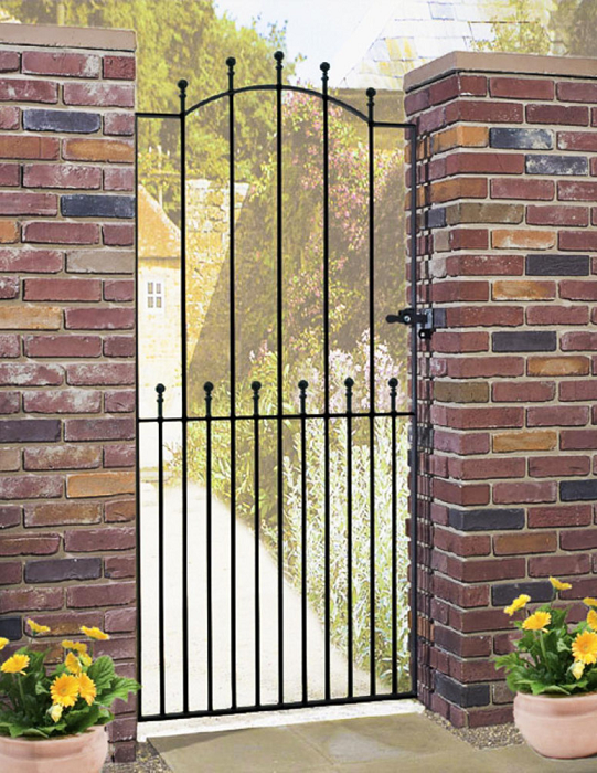 Manor Wrought Iron Style Metal Side Gate