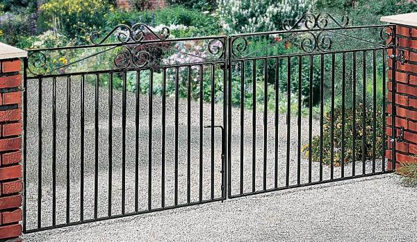Marlborough Wrought Iron Style Double Metal Driveway Gates | 3ft High