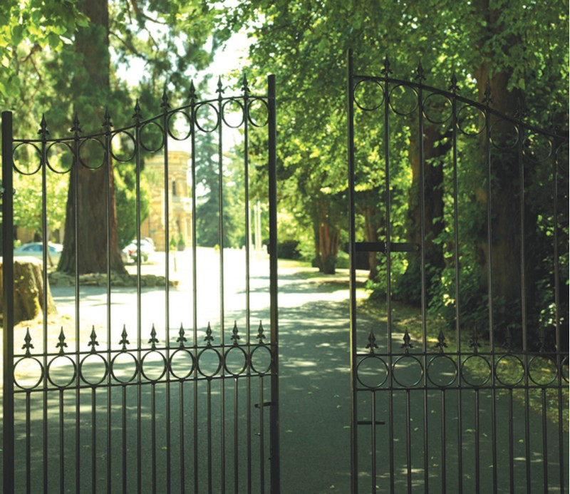 Royale Talisman Arched Wrought Iron Style Estate Gates - 7ft High