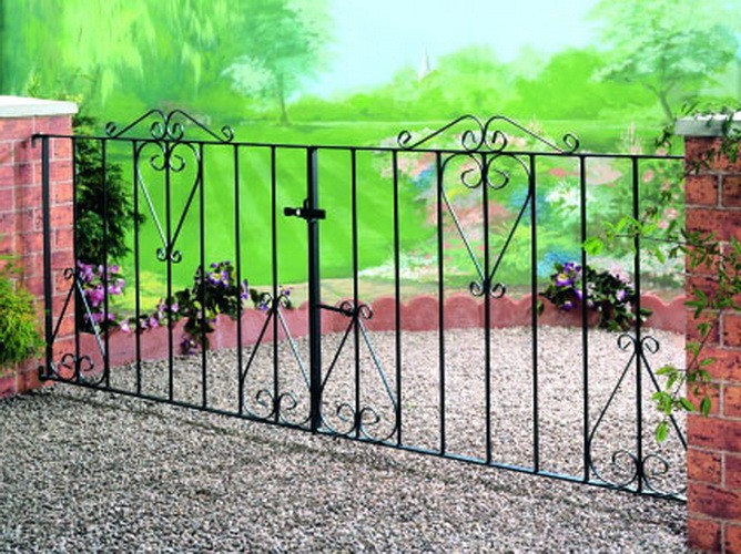 Winchester Wrought Iron Style Double Metal Driveway Gates | 3ft High